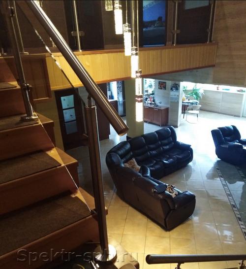 Бронза стекло на лестнице