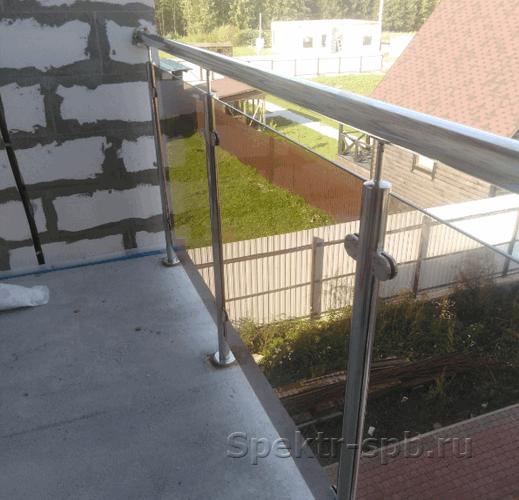 Стекло 8мм в ограждении из нержавеющей стали